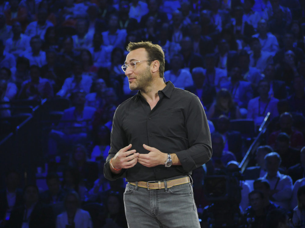 Simon Sinek, Autor und Motivationssprecher, bei Microsoft Inspire 2019.